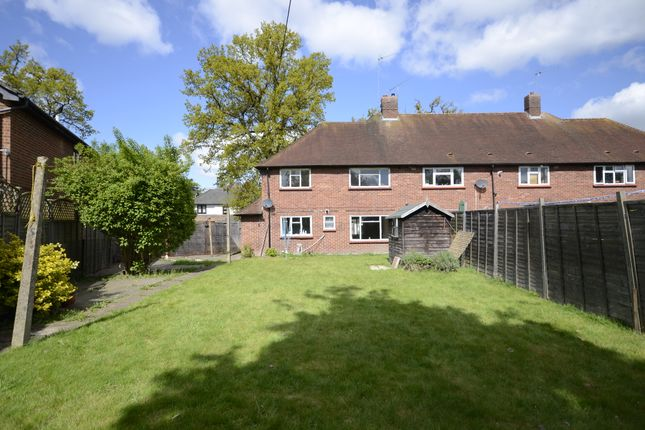 3 bed semi-detached house to rent in Kennel Close, Ascot