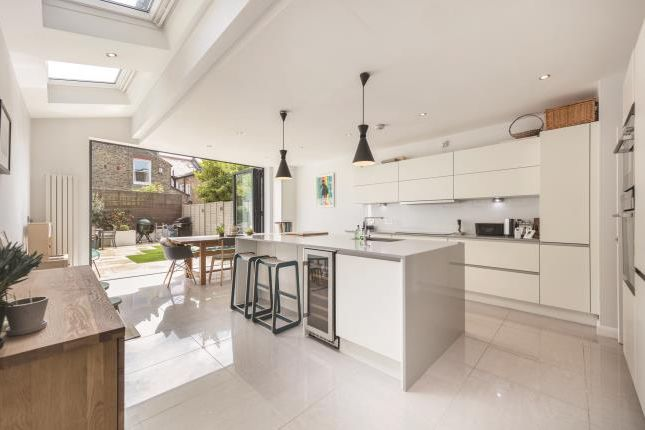 Thumbnail Terraced house to rent in Rudloe Road, London