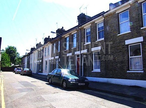 Thumbnail Shared accommodation to rent in St. Bartholomews Terrace, Rochester