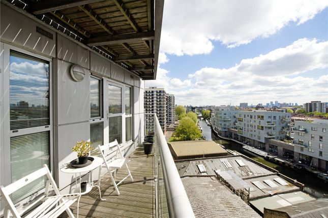 Flat to rent in OneN1, Southgate Road, Hoxton