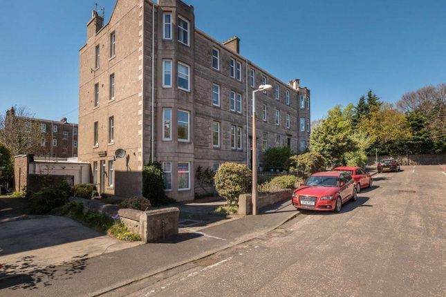 Thumbnail Flat to rent in Western Gardens, Murrayfield