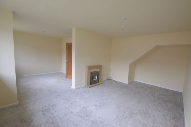 Thumbnail Semi-detached bungalow to rent in Lynwood Avenue, Clayton Le Moors, Accrington