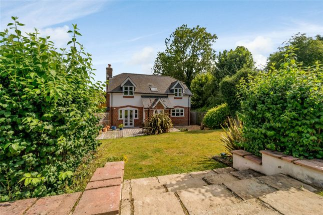 Cottage for sale in Long Lane, Shaw, Newbury, Berkshire