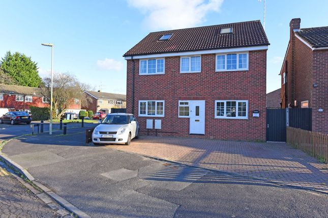 Thumbnail Flat for sale in Myrtle Drive, Blackwater, Camberley