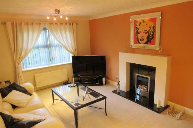 Thumbnail Property to rent in Hopefield Chase, Rothwell, Leeds