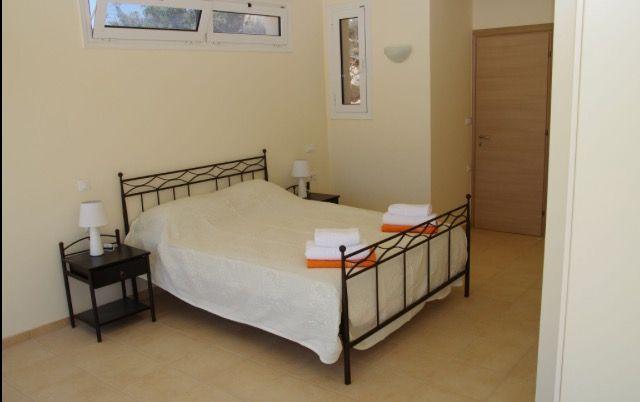 Villa Jasmine Double Bedroom With En-Suite Bathroom