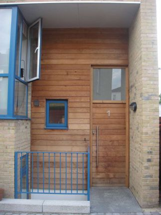 Thumbnail Property to rent in Hedgley Mews, London
