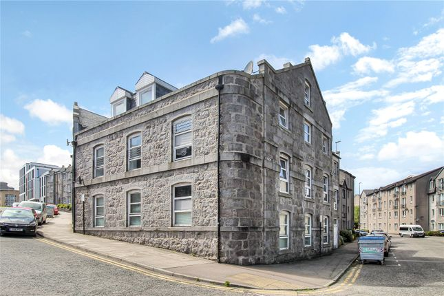 Thumbnail Flat for sale in Union Glen, Aberdeen