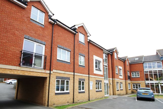 Thumbnail Flat for sale in Isabelle Court, Kettering