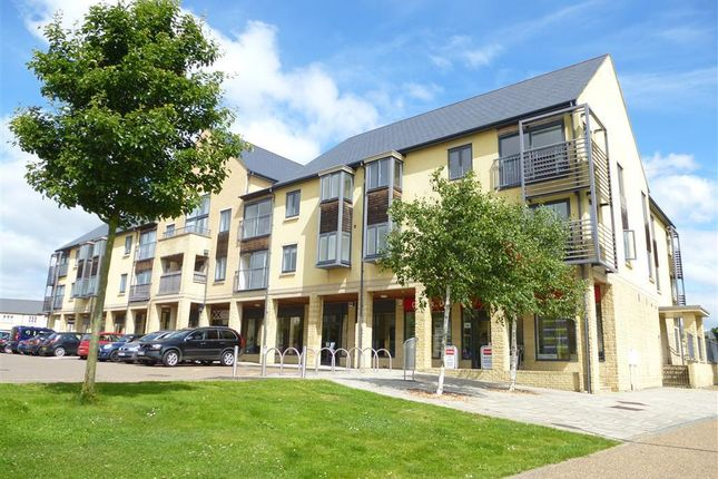 Thumbnail Flat to rent in Thornhill Close, Carterton
