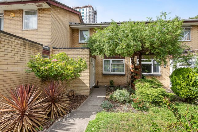 Thumbnail Terraced house for sale in Granville Close, Croydon