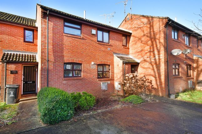 Thumbnail Property for sale in Willowherb Close, Swindon