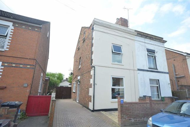 Thumbnail Town house for sale in Brook Street, Gloucester