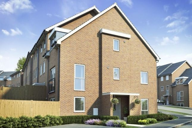 Thumbnail Semi-detached house to rent in Perrin Road, Dartford