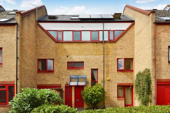 Thumbnail Town house for sale in Bywater Place, London