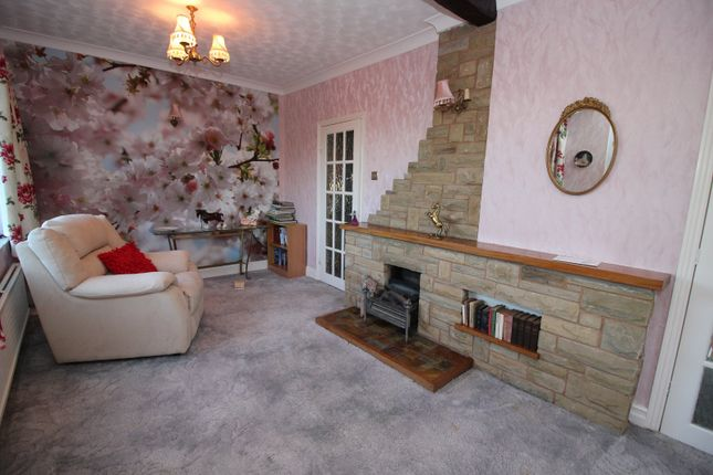 Picture No. 10 of Rawfield Lane, Fairburn, Knottingley, North Yorkshire WF11