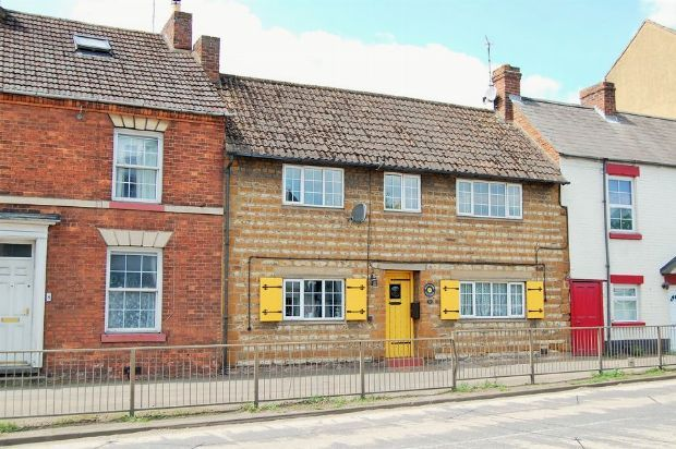 Thumbnail Cottage for sale in High Street, Weedon, Northampton