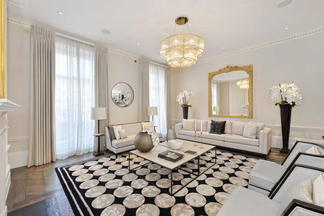 Thumbnail Town house to rent in Chester Square, Belgravia