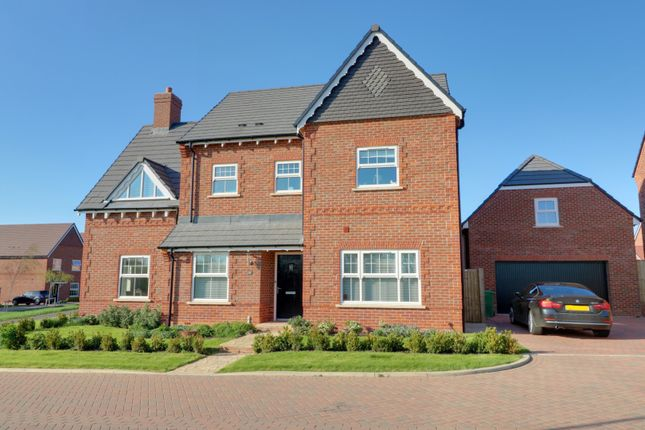 Thumbnail Detached house for sale in Esingdon Drive, Thame