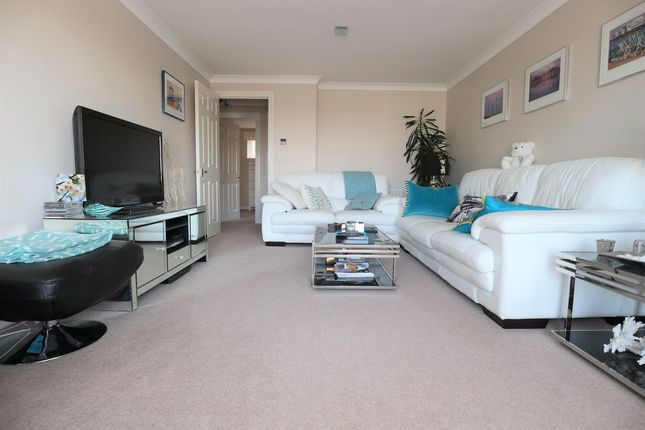 Thumbnail Flat for sale in Collingwood Court, Brighton Marina Village, Brighton