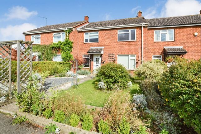 Thumbnail Terraced house to rent in Garden Close, Stamford