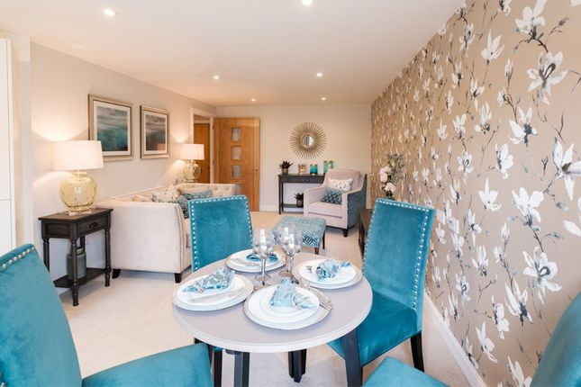 1 bedroom flat for sale in Studio Way, Borehamwood