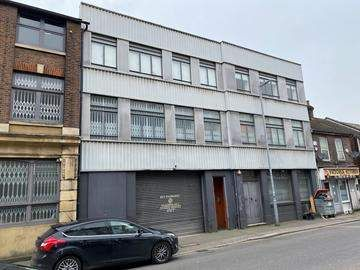 Thumbnail Commercial property to let in Dudley Street, Luton