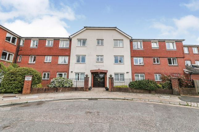 1 bed property for sale in St. Peters Close, Hove BN3