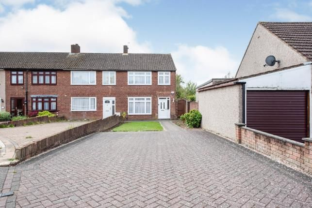 3 bed end terrace house for sale in Collier Row, Romford, Havering RM5