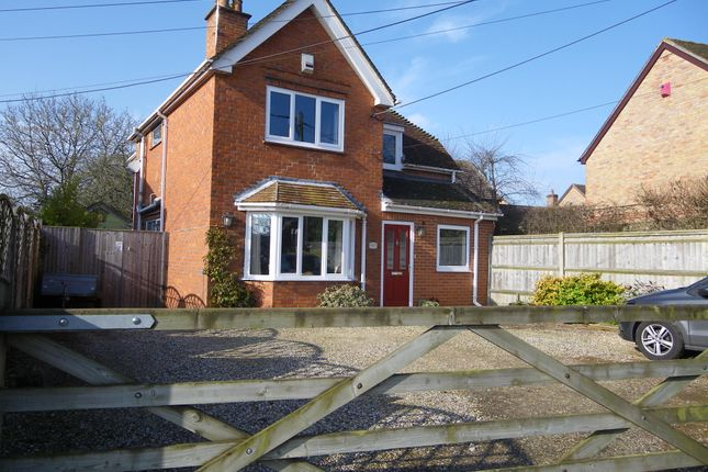 Thumbnail Detached house for sale in 98 Northfield Road, Thatcham, Berkshire