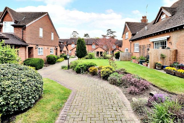 2 bed property for sale in Lakeside, Ewell Court Avenue, Ewell KT19