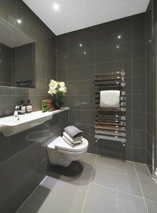 En Suite of Southdown Road, Harpenden AL5