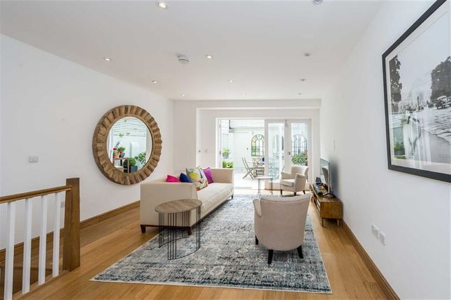 Thumbnail Town house for sale in Boyne Terrace Mews, London