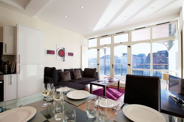 Thumbnail Flat to rent in Grove Court, The Grove, London