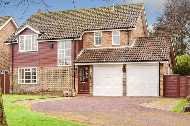 4 bed detached house for sale in Barn Close, Banstead