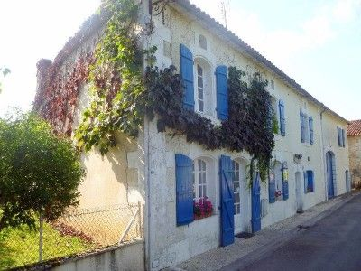 4 bed property for sale in Verteillac, Dordogne, France