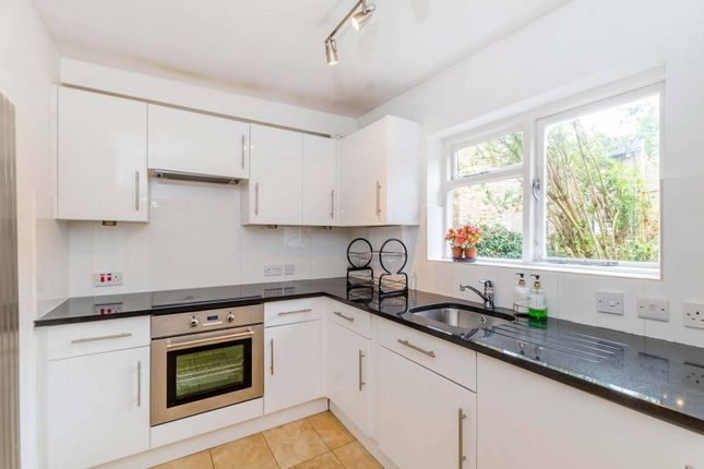 Thumbnail Flat to rent in Fordingley Road, Maida Hill