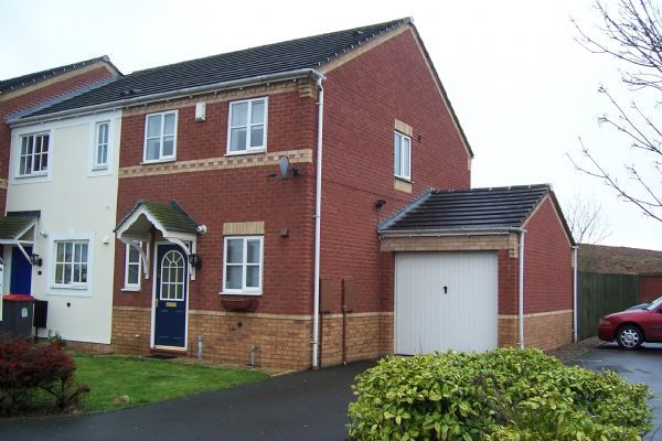 Thumbnail Terraced house to rent in Farriers Green, Lawley Bank, Telford