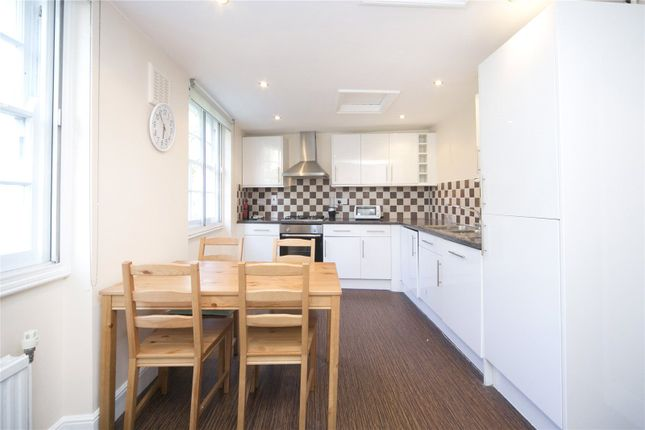 2 bed flat to rent in Pentonville Road, Islington