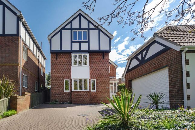 Thumbnail Detached house for sale in Cliff Road, Hornsea