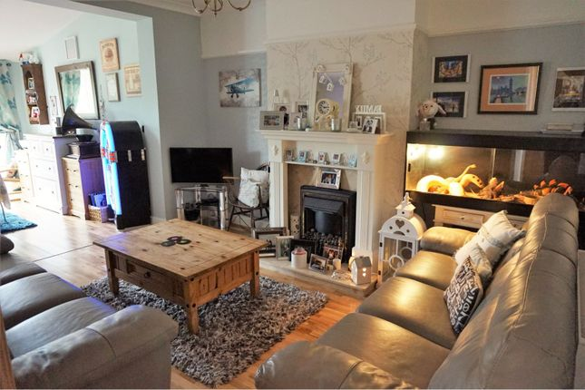 Family Room of Ridge Road, Kempston MK43