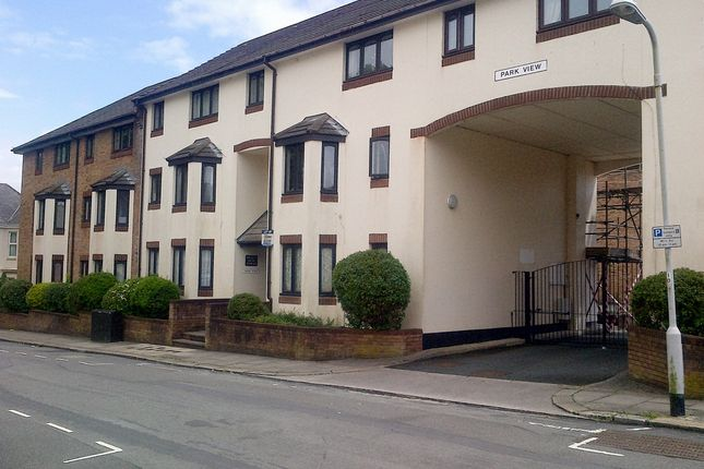 Thumbnail Flat to rent in Knighton Road, Plymouth
