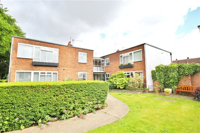 Thumbnail Flat for sale in Constance Road, Twickenham