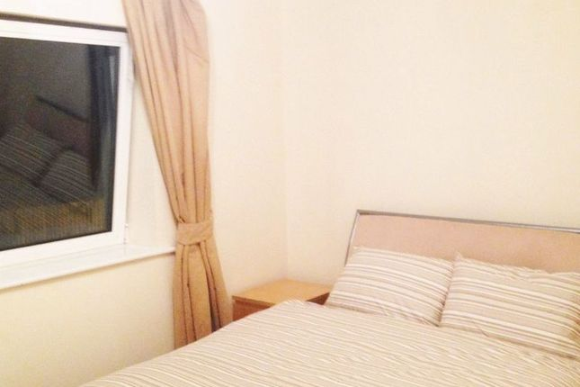 Thumbnail Property for sale in 2 Bed 2 Bath Holland Gardens, Capital West, Brentford