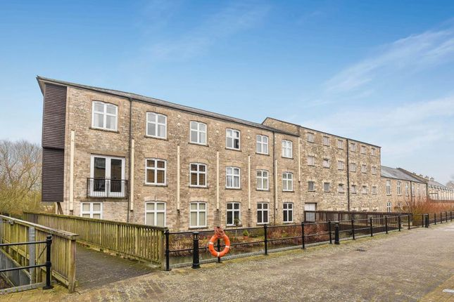 Thumbnail Flat for sale in Woodford Mill, Witney