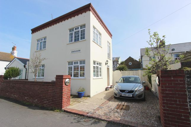 Thumbnail Detached house for sale in Campbell Road, Walmer