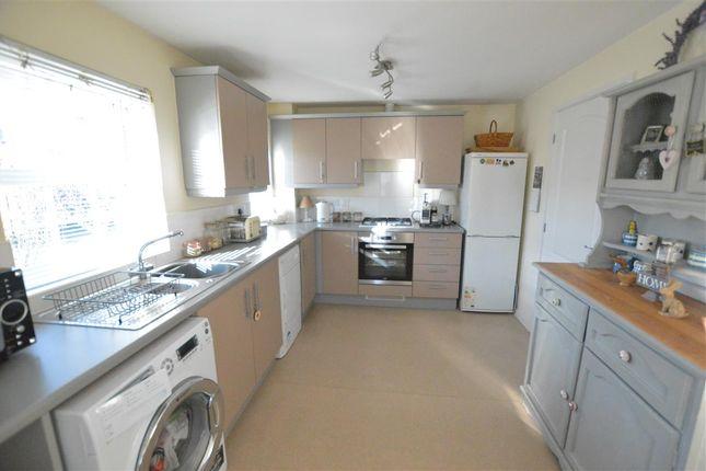 Kitchen Diner of Gleneagles Drive, Greylees, Sleaford NG34