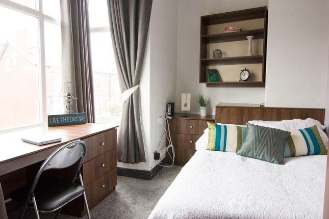 Thumbnail Property to rent in Beechwood Terrace, Burley, Leeds