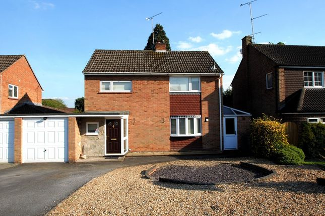 Thumbnail Detached house for sale in Hartford Road, Hartley Wintney, Hook