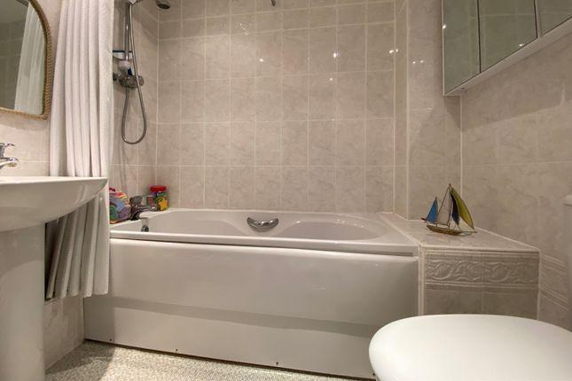 Bathroom of Thyme Avenue, Whiteley, Fareham PO15